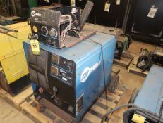MILLER CP-302 CV-DC WELDING POWER SOURCE W/ 22A WIRE FEEDER SN. LF300154C