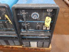 MILLER BOBCAT 225G WELDING/POWER GENERATOR (NEEDS REPAIR)