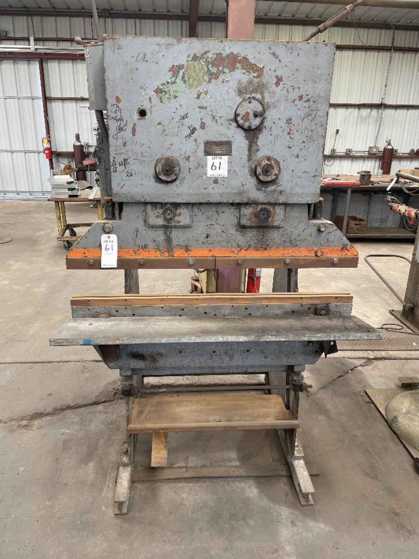 (1) Chicago 131-4 Press Brake- 11 ton cap, 4' brake, s/n- LW476