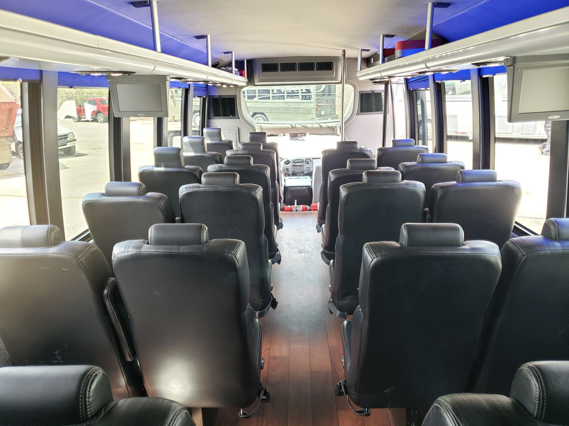 2013 Ford F550SD XL Grech Motors 33-Pass Shuttle Bus - Image 13 of 18