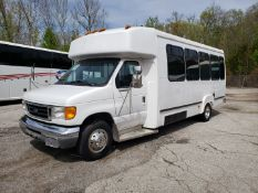 2005 Ford E450SD 25-Pass Goshen Shuttle Bus