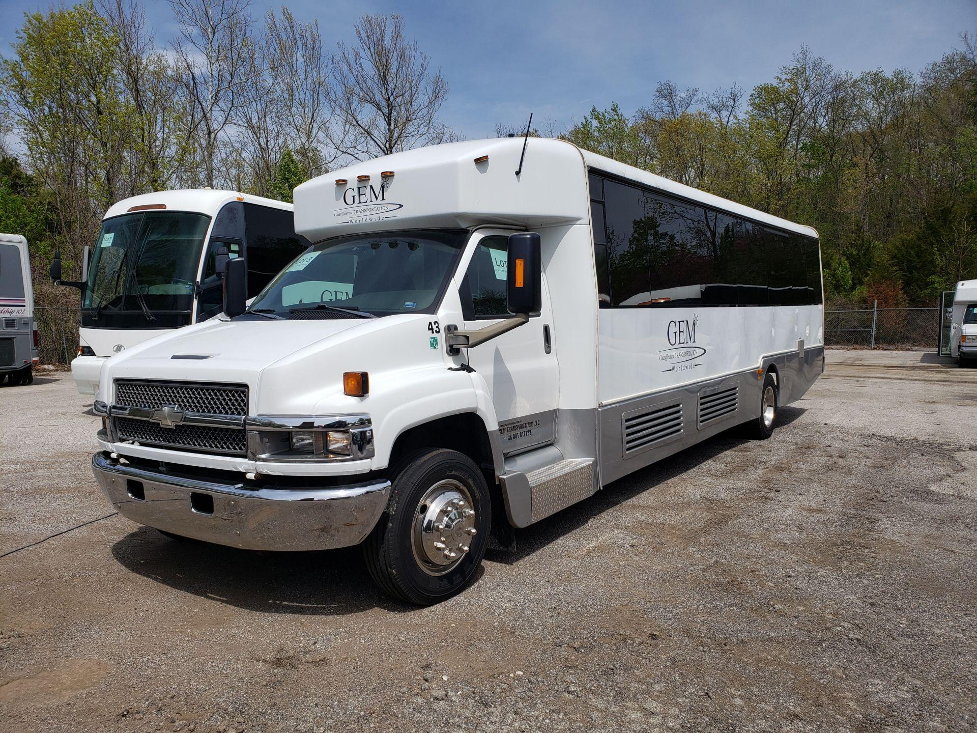 2006 Chevrolet C5500 30-Pass General Coach Champion Bus