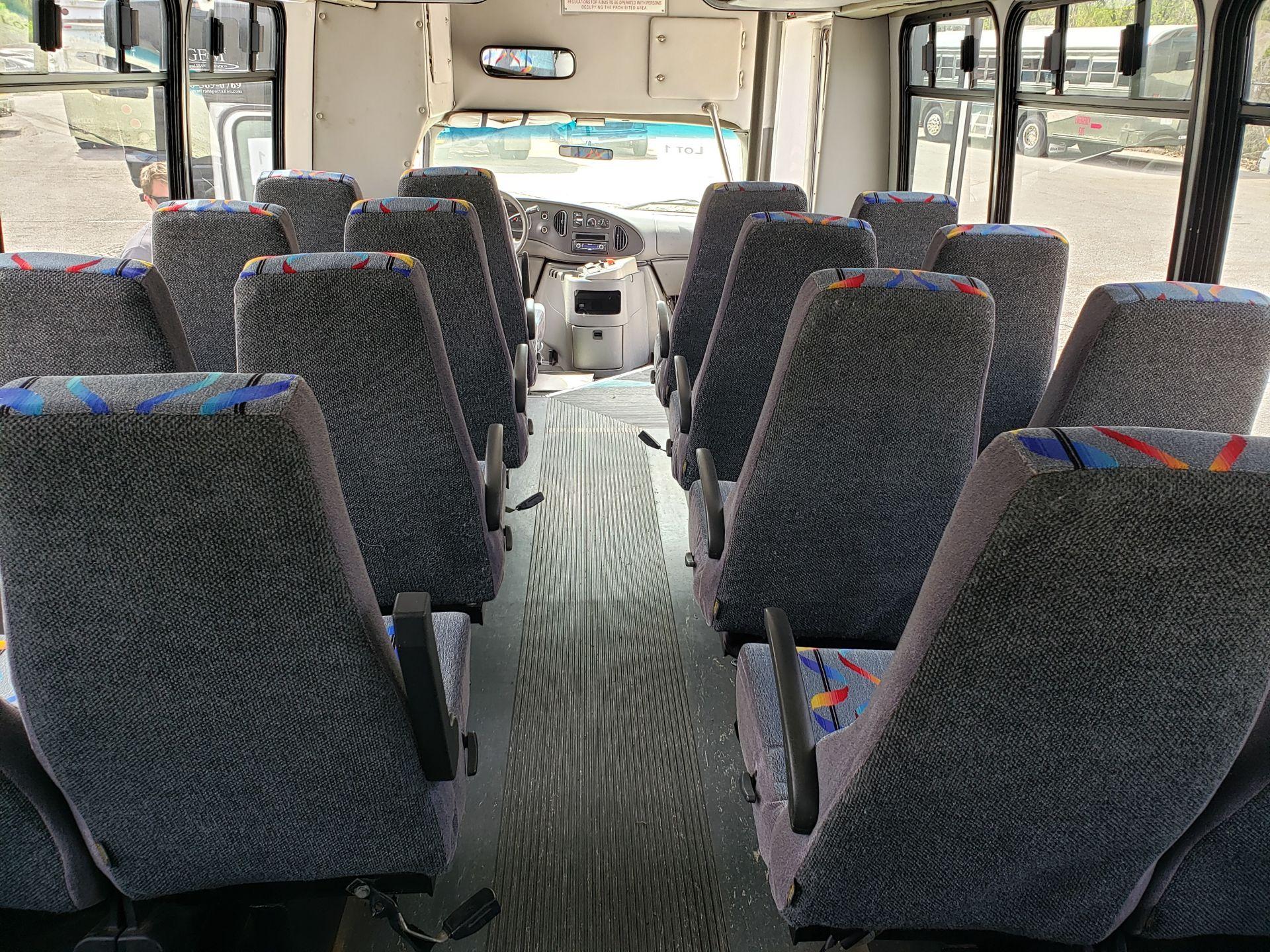 2005 Ford E450SD 25-Pass Goshen Shuttle Bus - Image 9 of 13