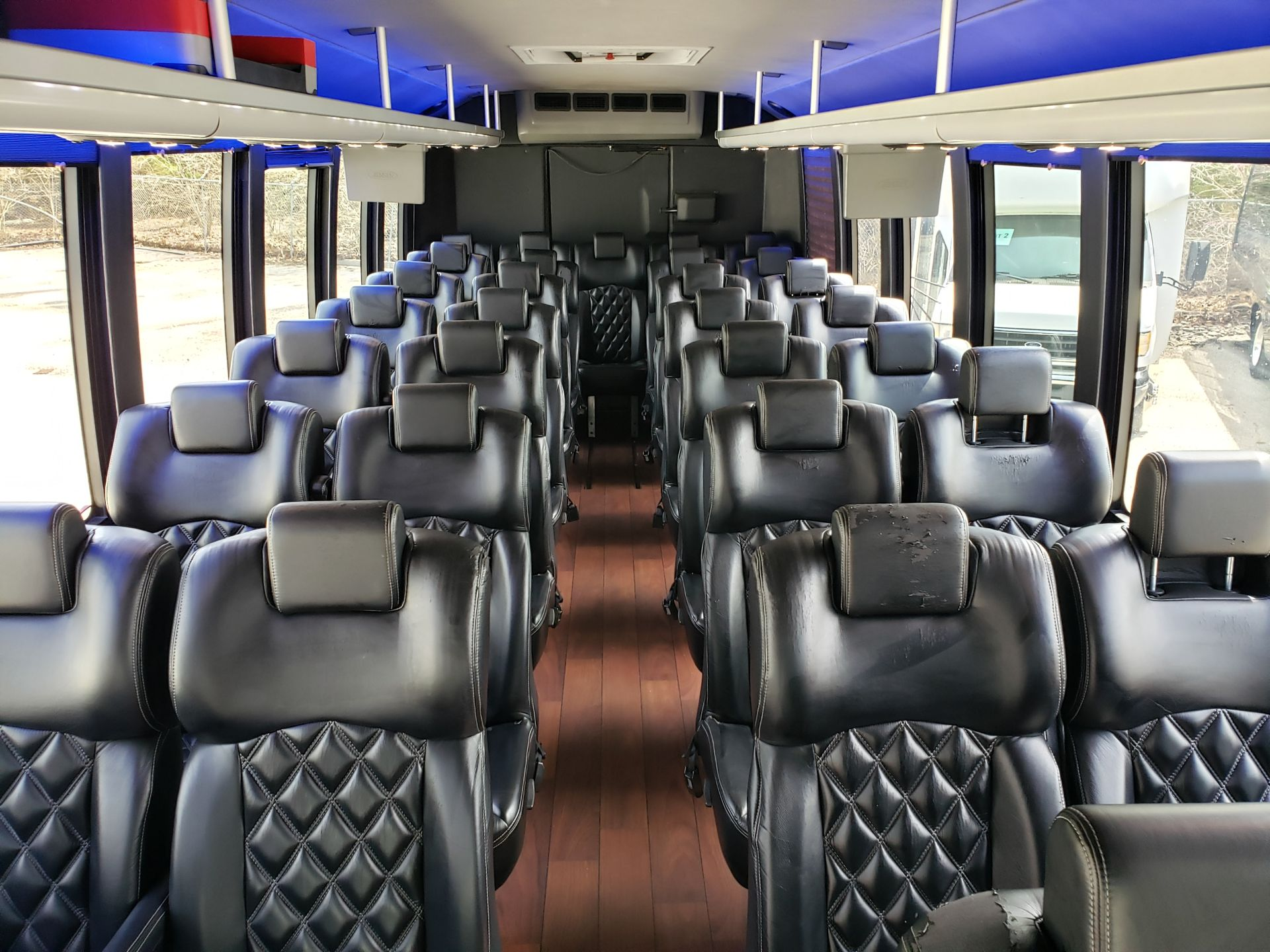 2013 Ford F550SD XL Grech Motors 33-Pass Shuttle Bus - Image 8 of 18