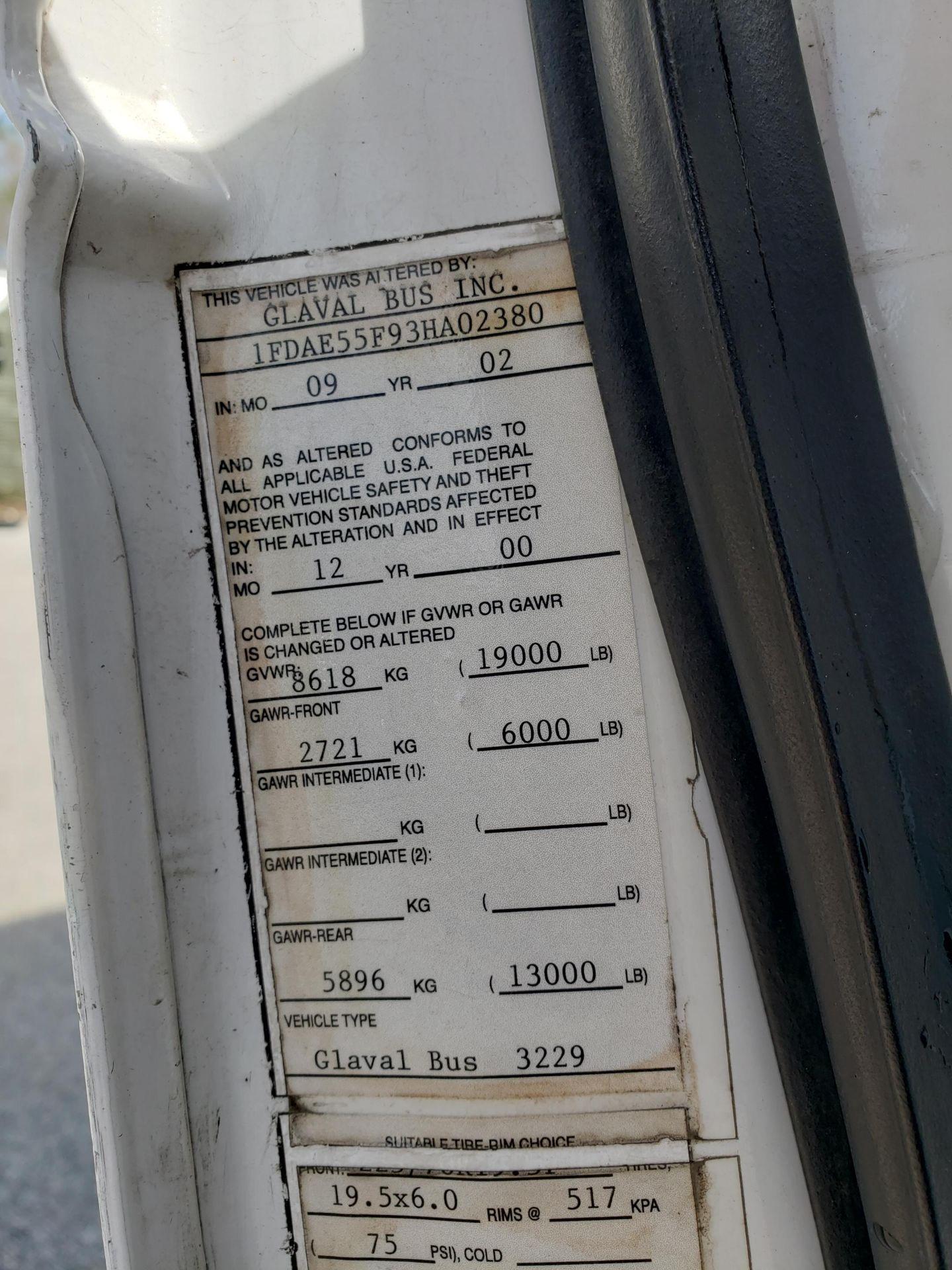2005 Ford E450SD 25-Pass Eldorado Shuttle Bus - Image 16 of 19