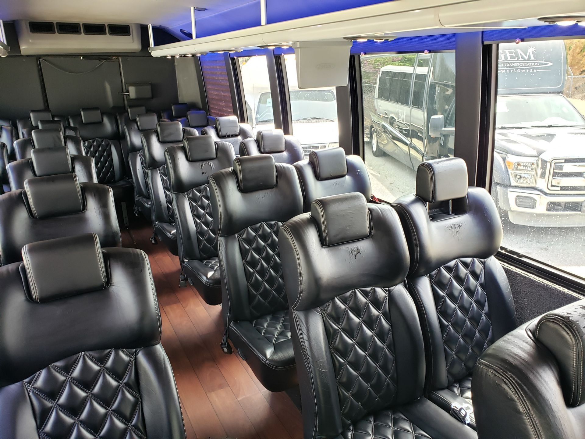 2013 Ford F550SD XL Grech Motors 33-Pass Shuttle Bus - Image 10 of 18
