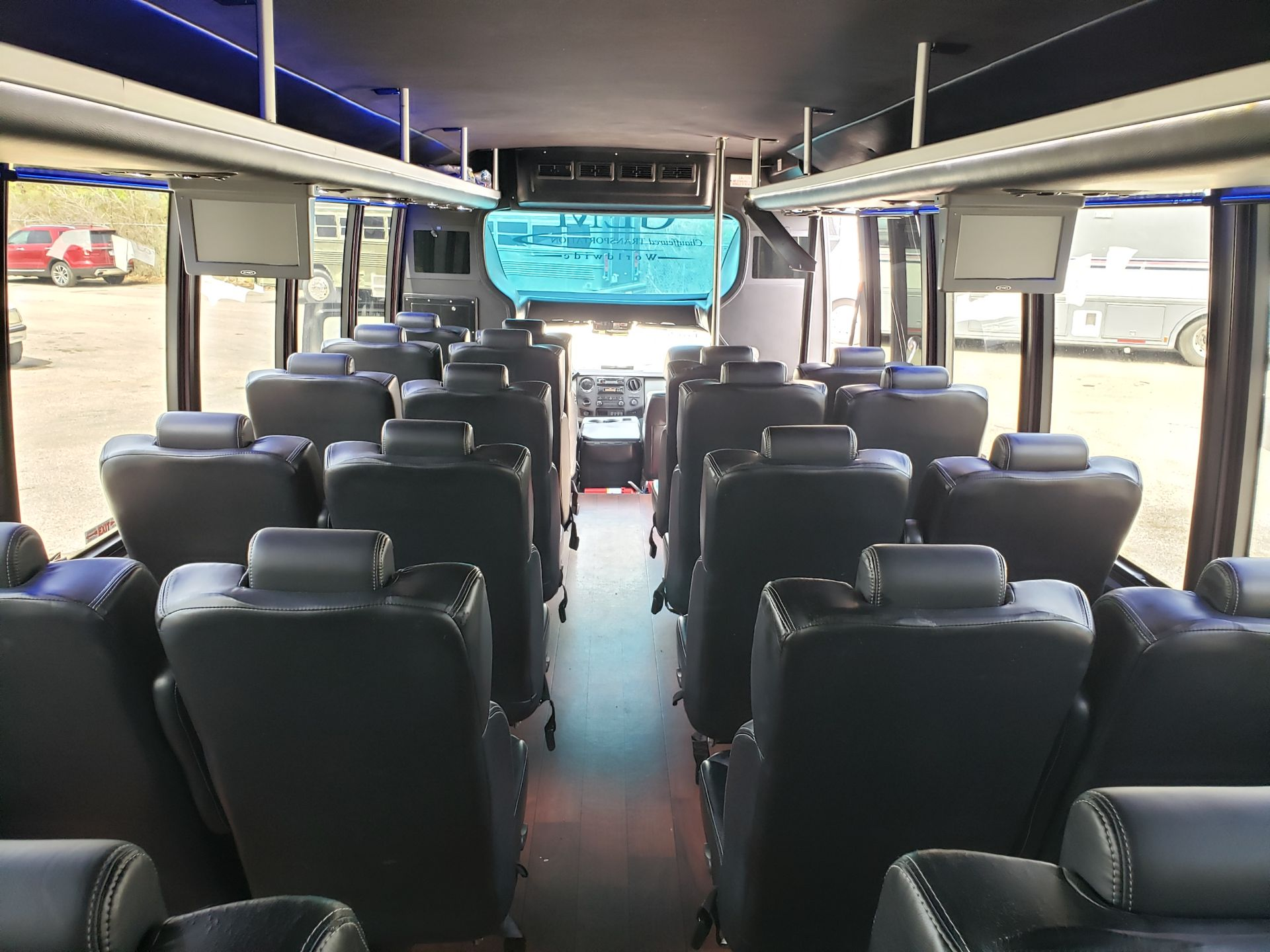 2013 Ford F550SD XL Grech Motors 33-Pass Shuttle Bus - Image 11 of 17