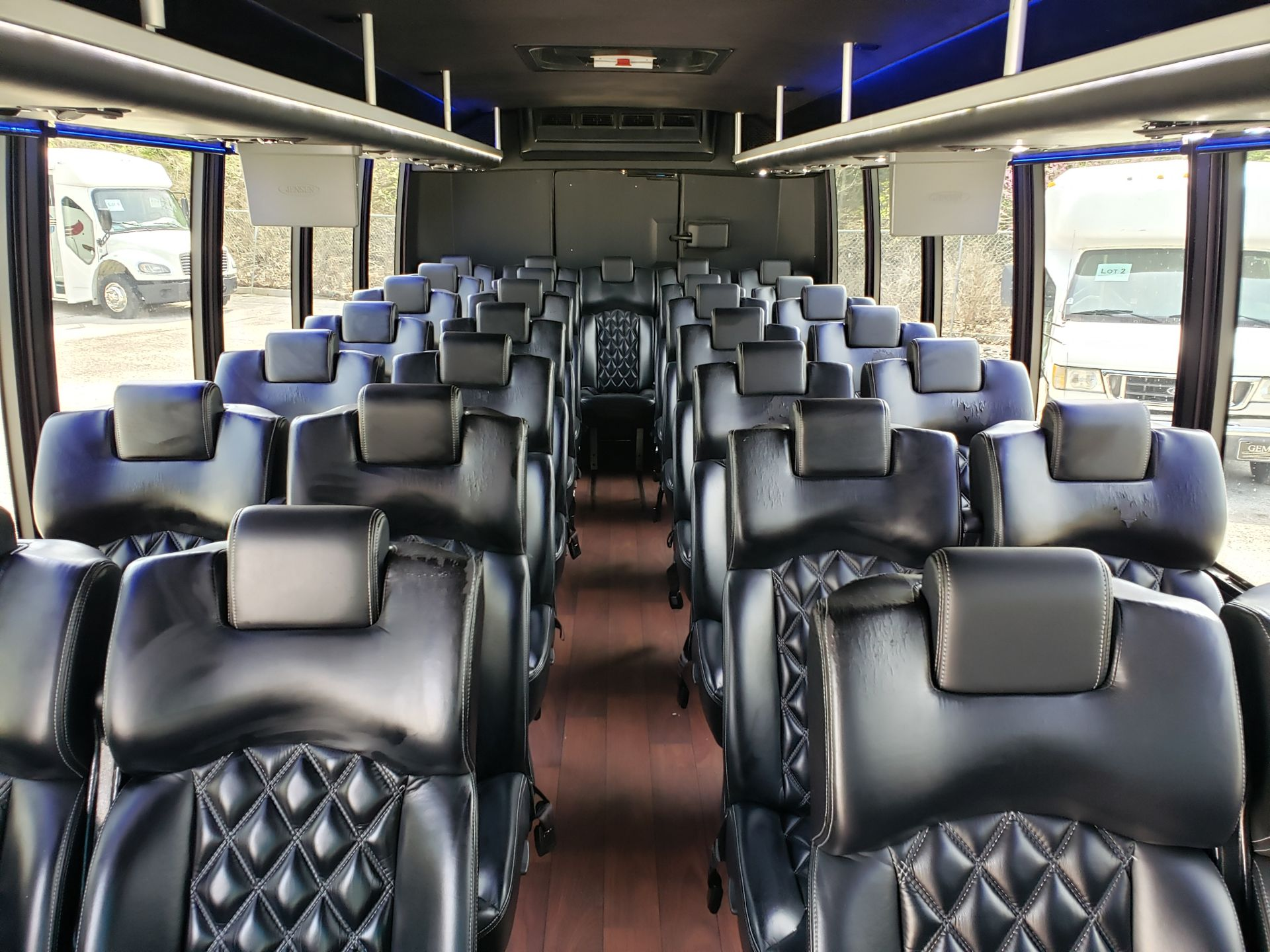 2013 Ford F550SD XL Grech Motors 33-Pass Shuttle Bus - Image 10 of 17