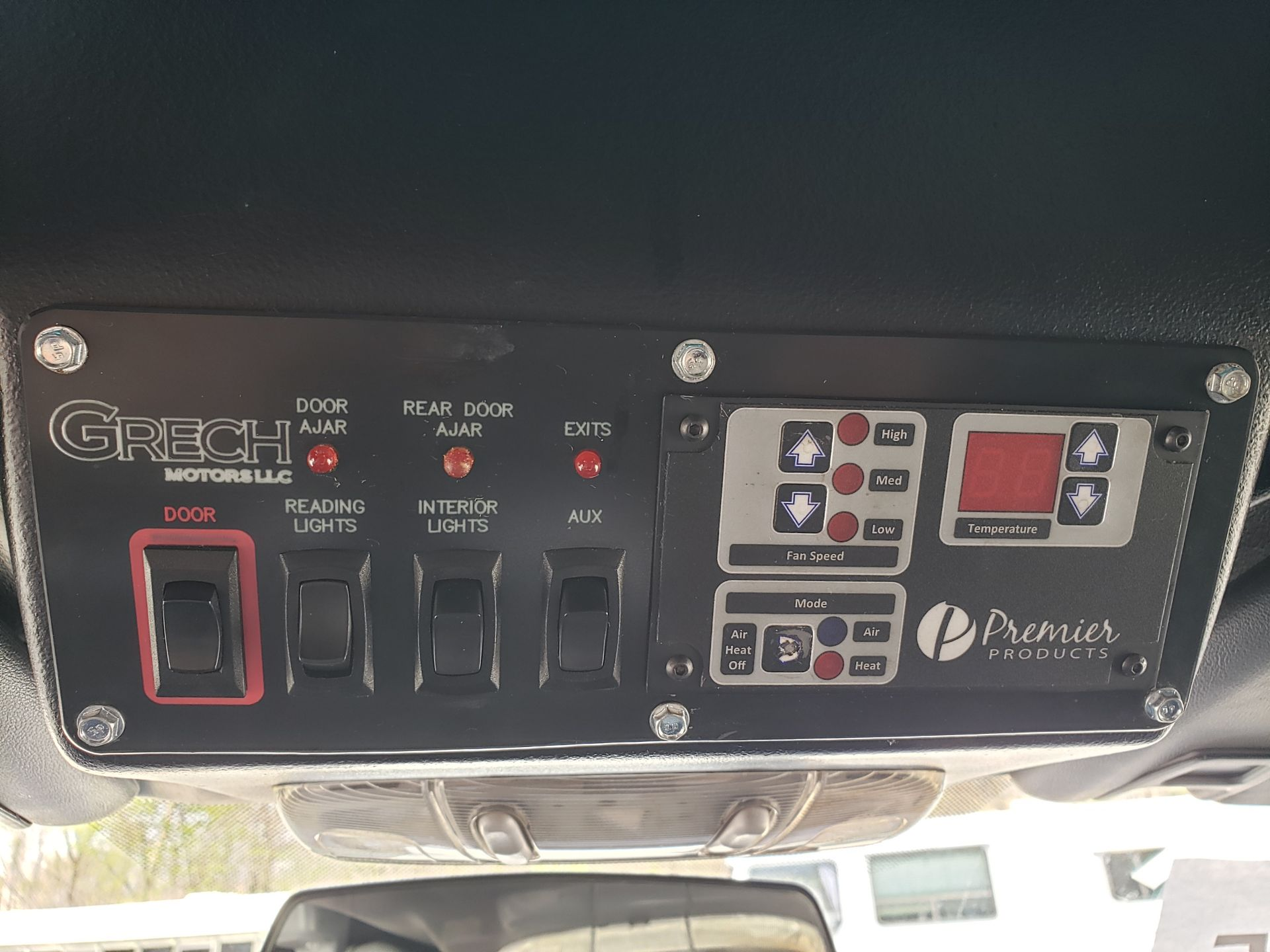 2013 Ford F550SD XL Grech Motors 33-Pass Shuttle Bus - Image 14 of 17