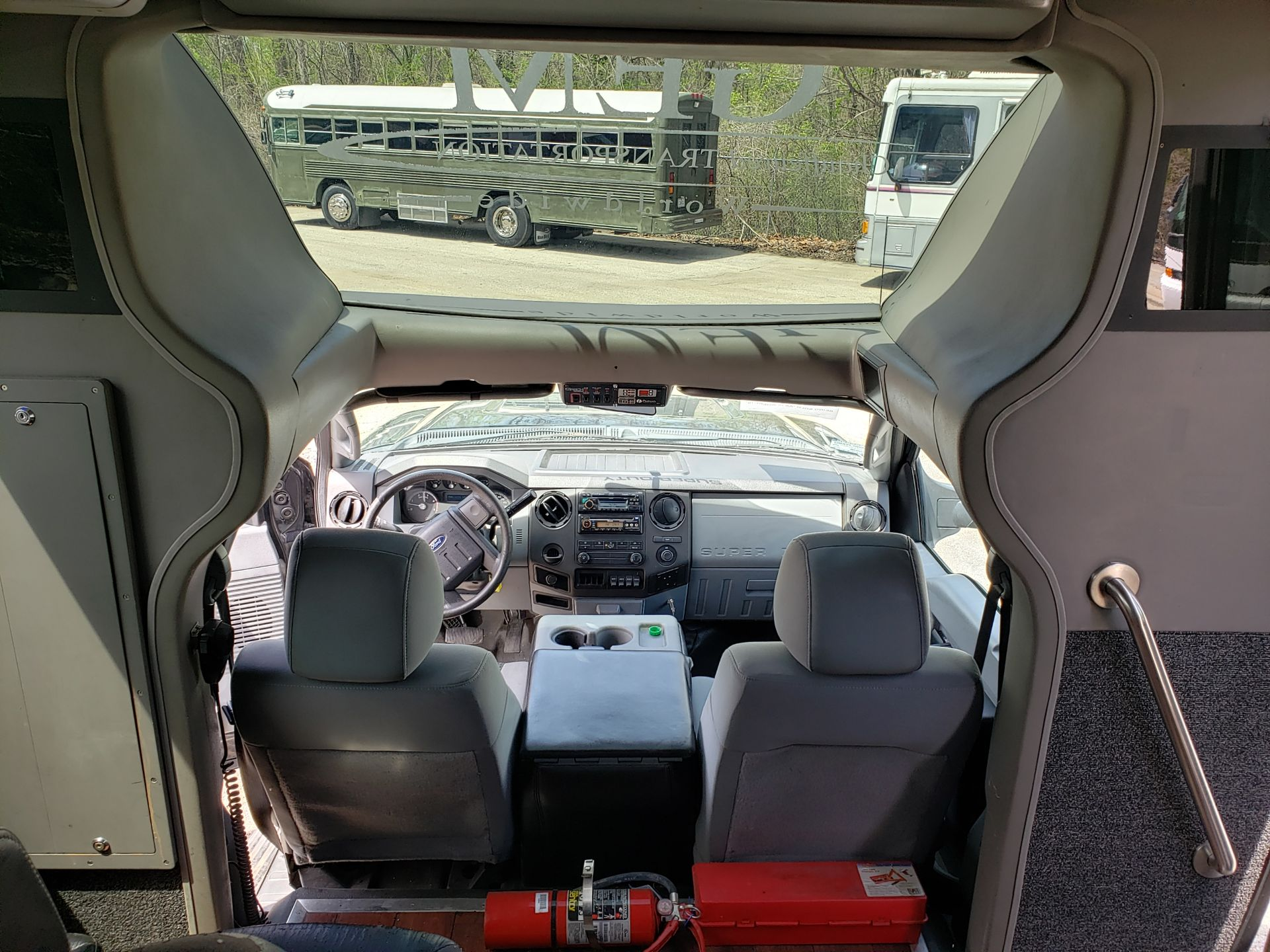 2013 Ford F550SD XL Grech Motors 33-Pass Shuttle Bus - Image 14 of 18