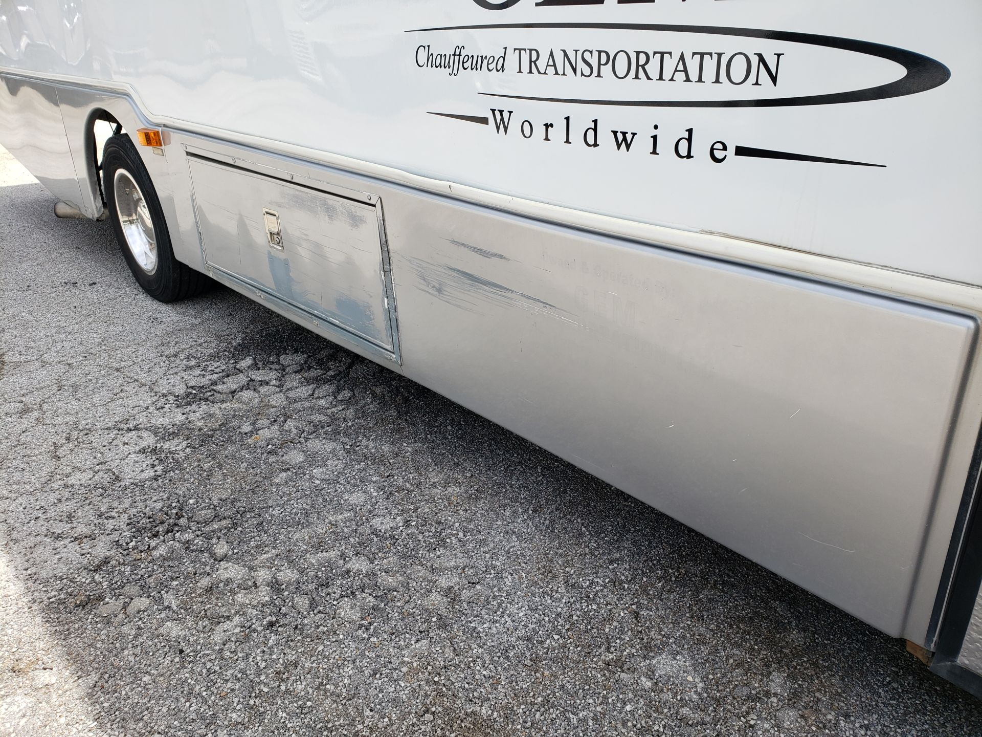 2006 Chevrolet C5500 30-Pass General Coach Champion Bus - Image 22 of 23