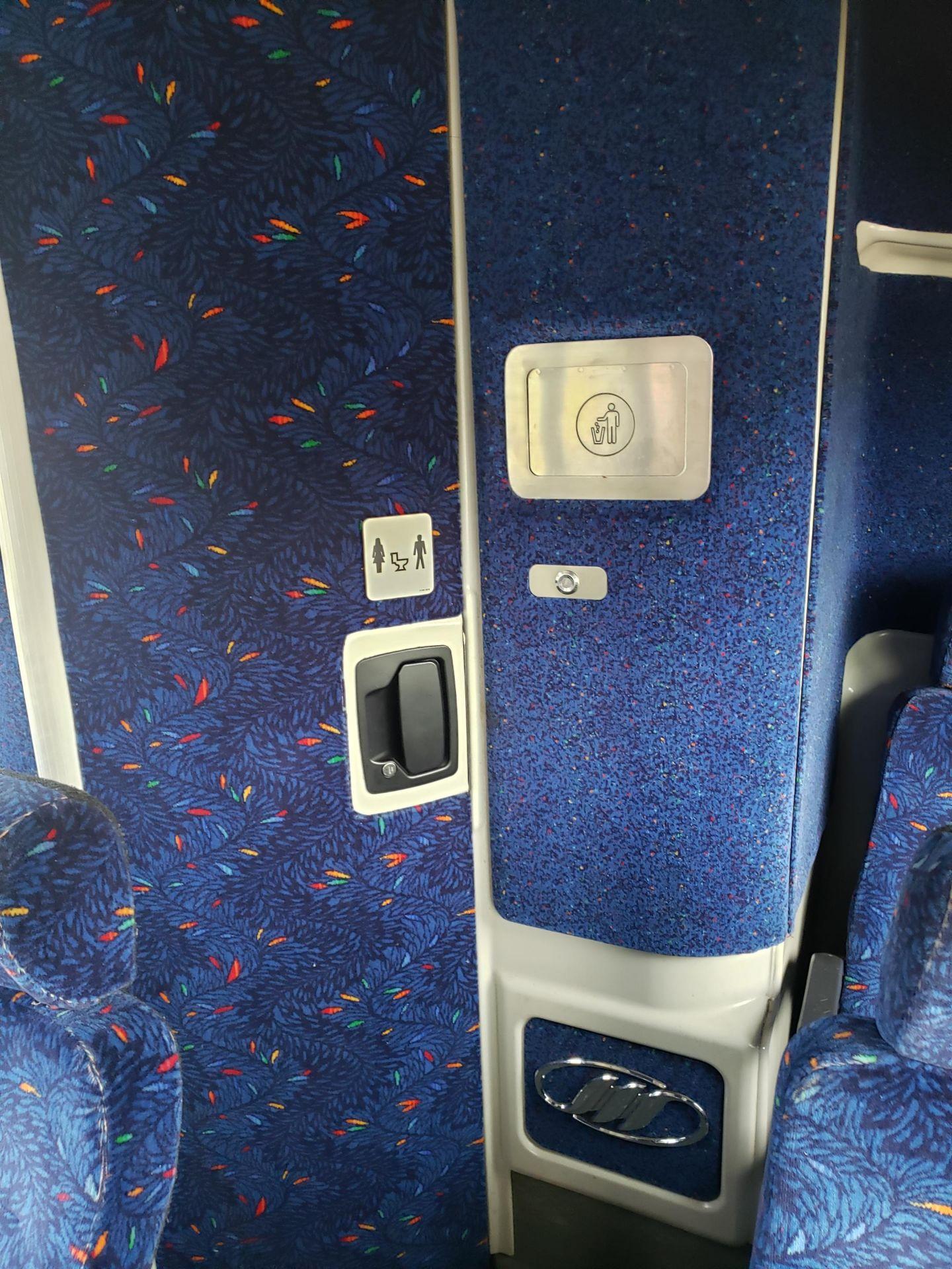 2005 MCI J4500 56-Pass Kneeling Coach Bus - Image 11 of 18