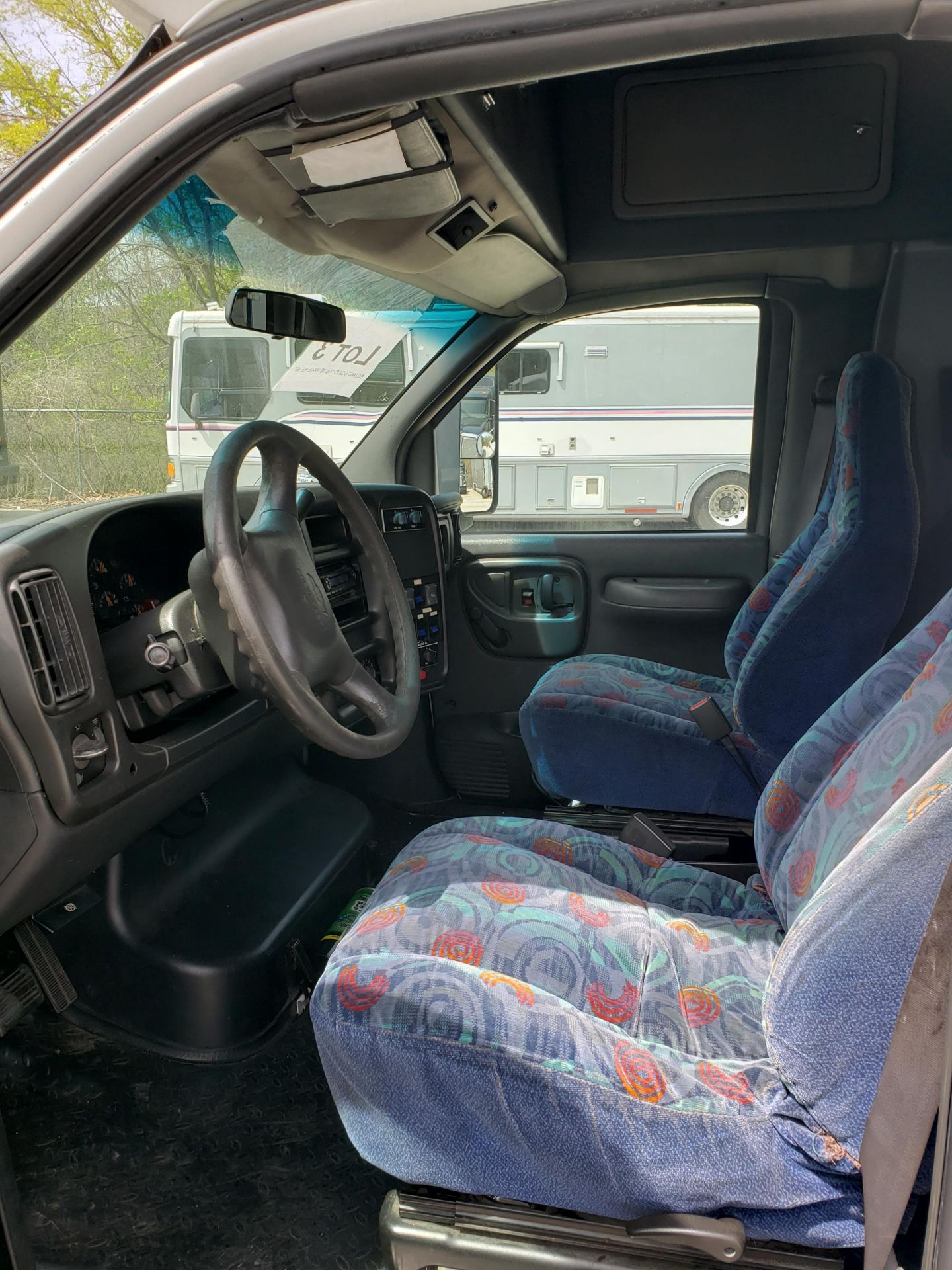 2006 Chevrolet C5500 30-Pass General Coach Champion Bus - Image 5 of 23