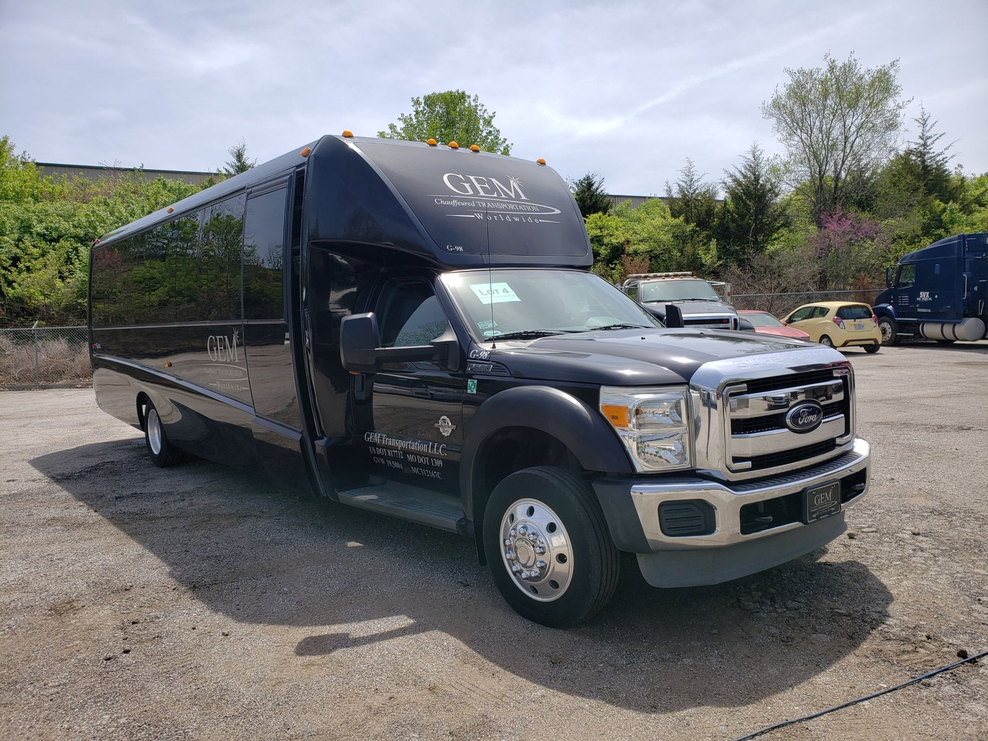 2013 Ford F550SD XL Grech Motors 33-Pass Shuttle Bus - Image 2 of 18