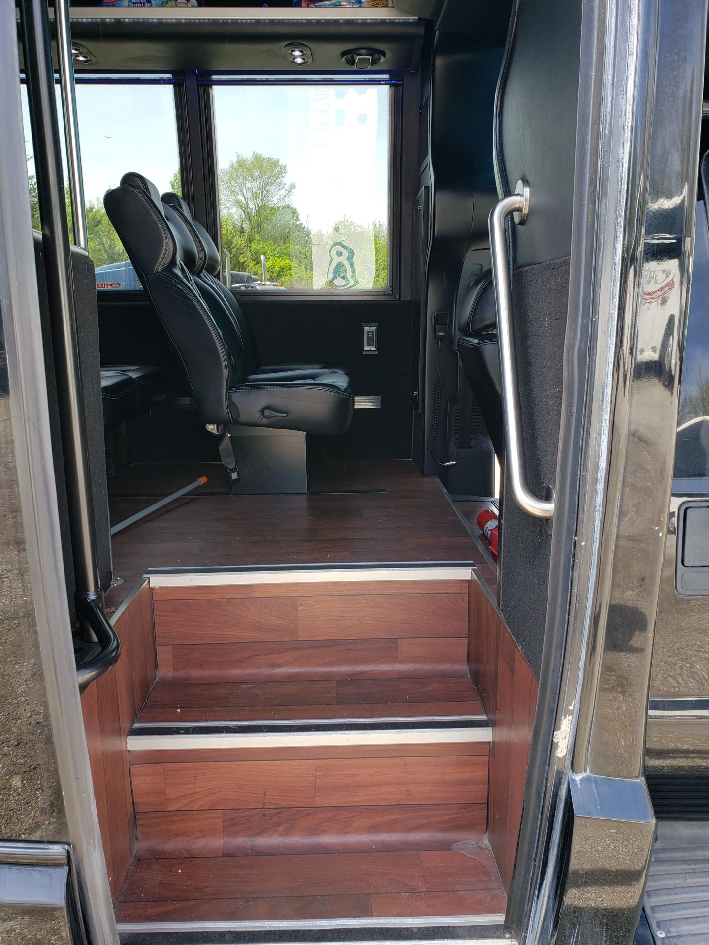 2013 Ford F550SD XL Grech Motors 33-Pass Shuttle Bus - Image 9 of 17