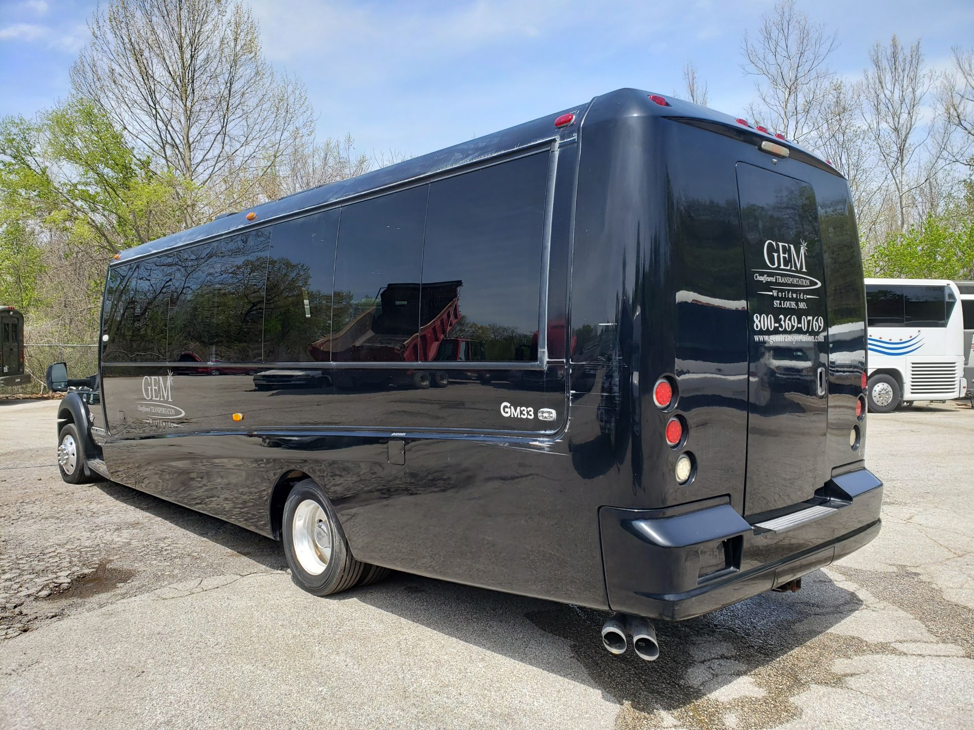 2013 Ford F550SD XL Grech Motors 33-Pass Shuttle Bus - Image 4 of 18
