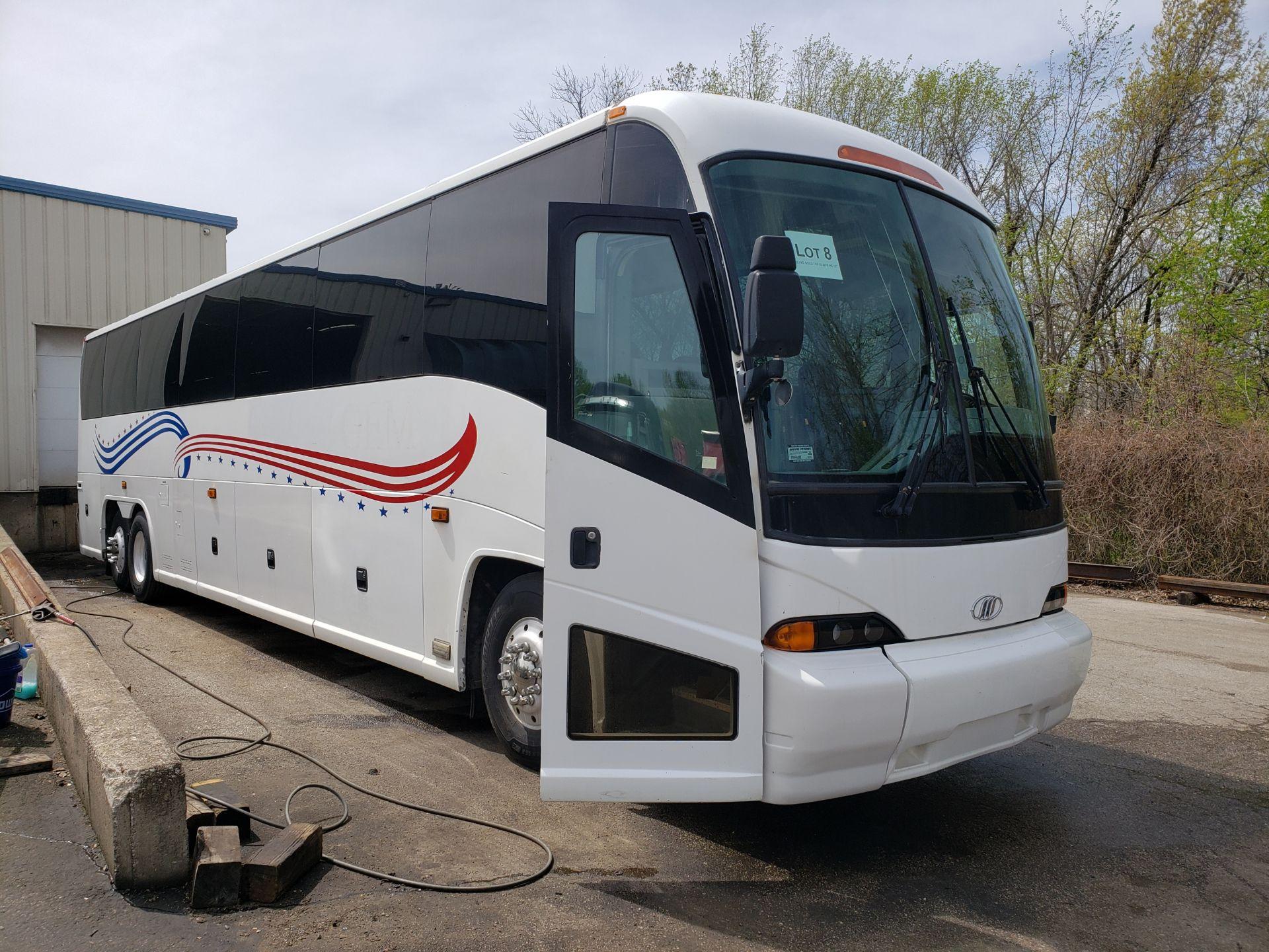2005 MCI J4500 56-Pass Kneeling Coach Bus - Image 2 of 20