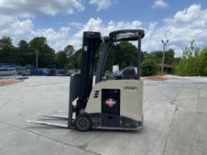CROWN ELECTRIC 3000 LBS CAPACITY STAND UP FORKLIFT
