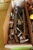 Group of sockets, socket wrench, and wrench