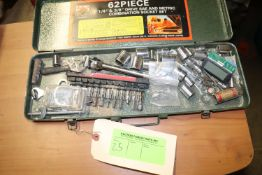 Socket set (does not match container)