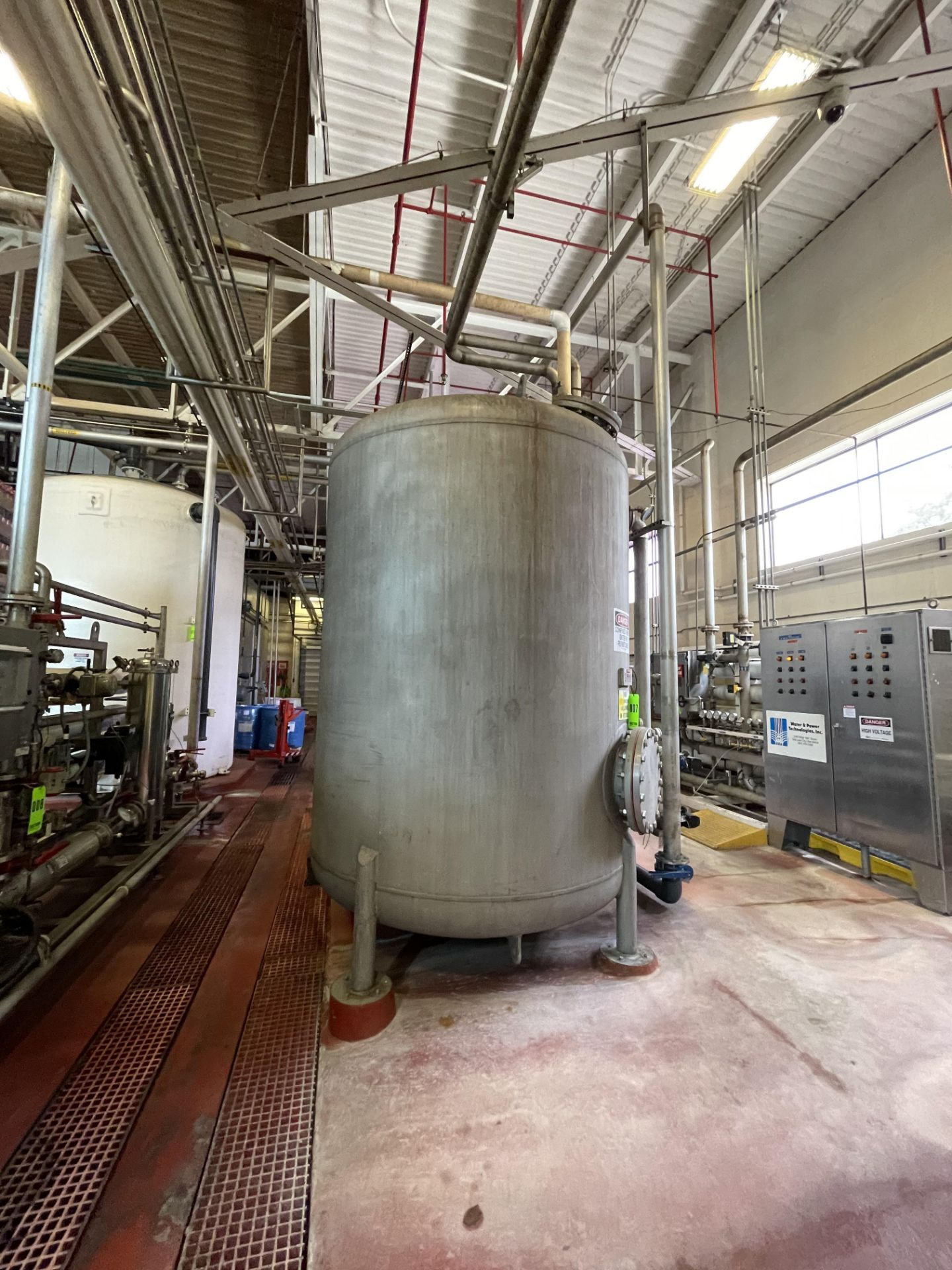 2700 Gallon Stainless Steel Carbon Tower - Image 4 of 5
