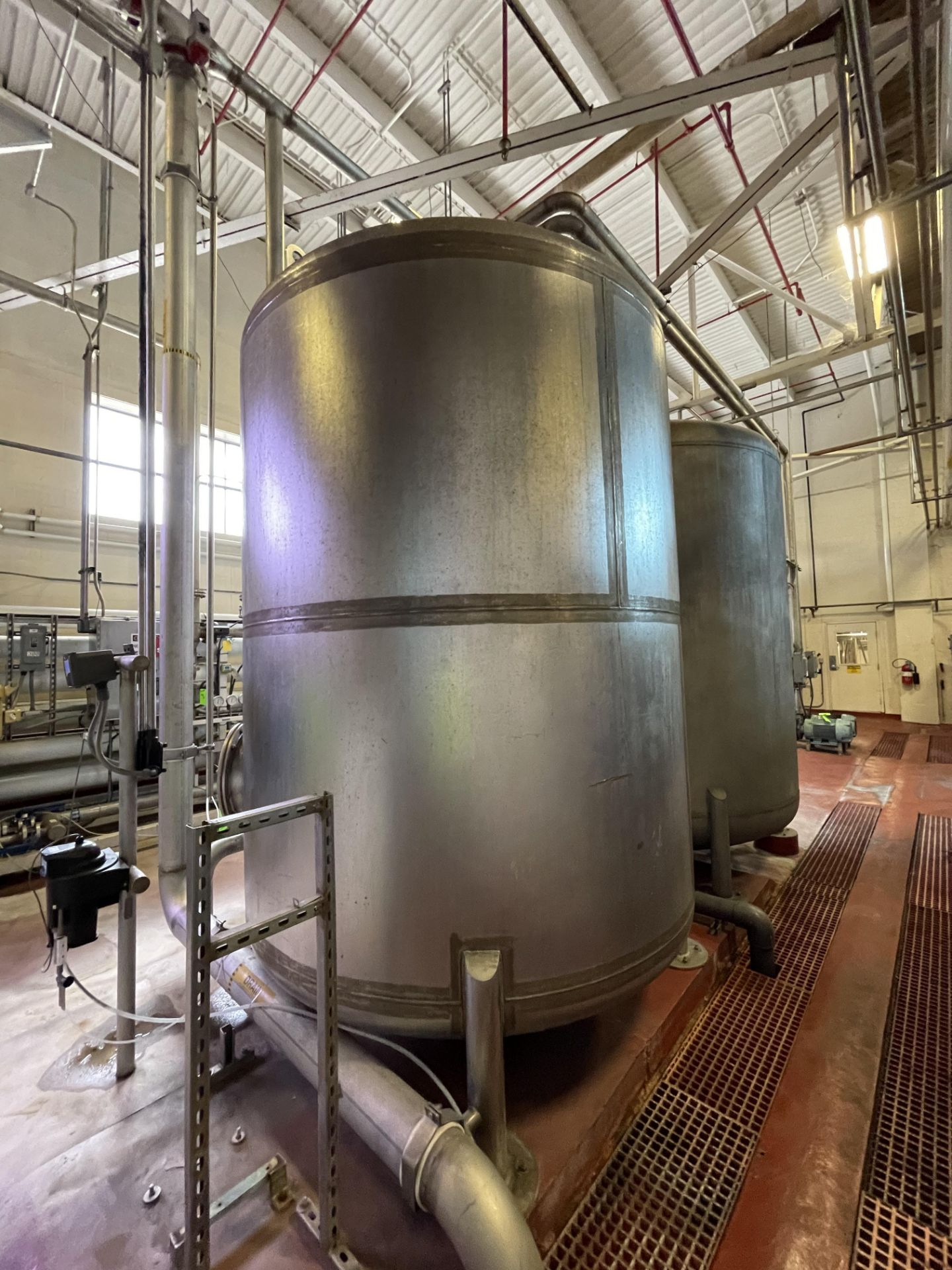 National Water Systems 2700 Gallon Stainless Steel Carbon Tower - Image 3 of 3