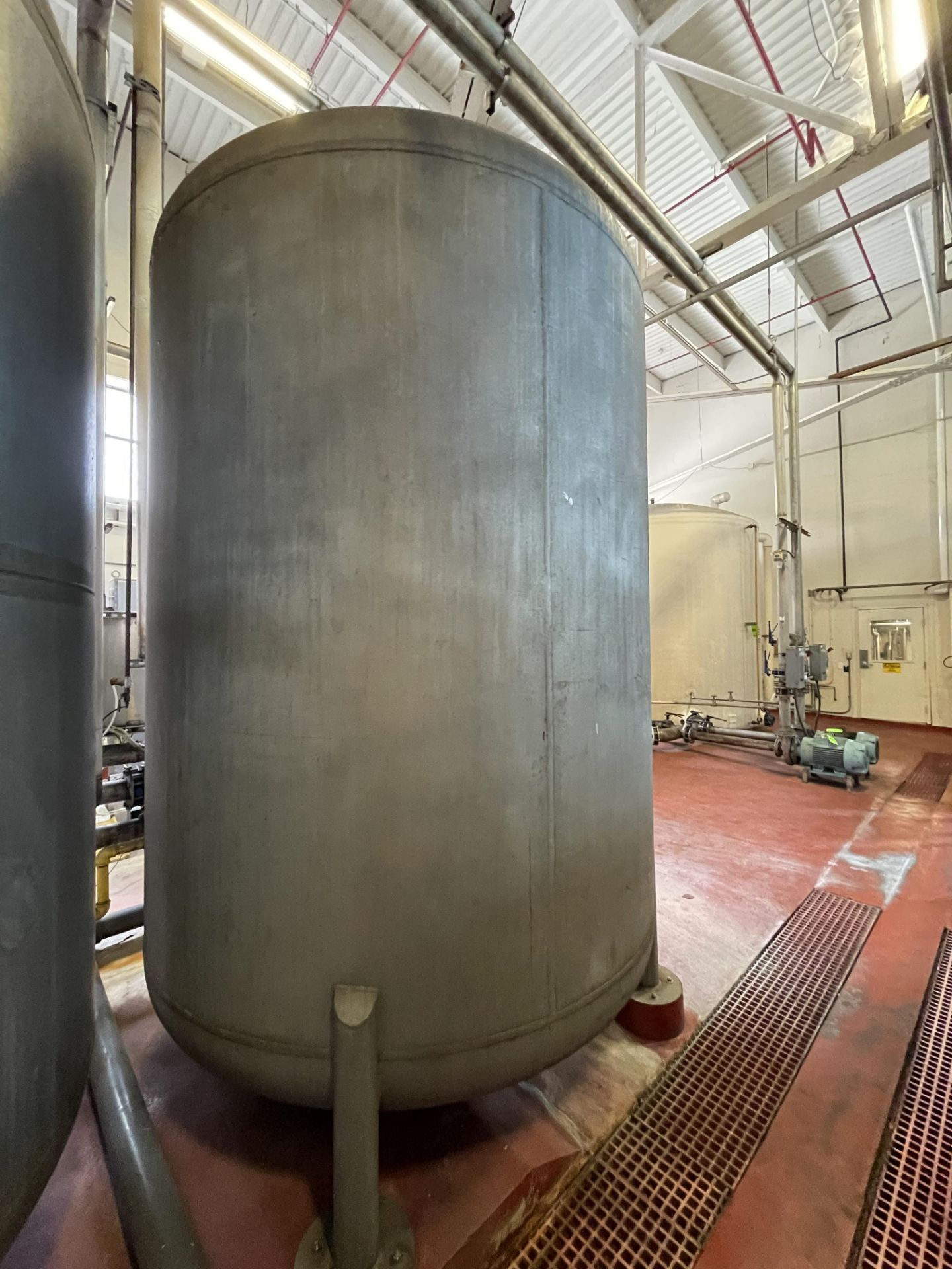 2700 Gallon Stainless Steel Carbon Tower - Image 5 of 5