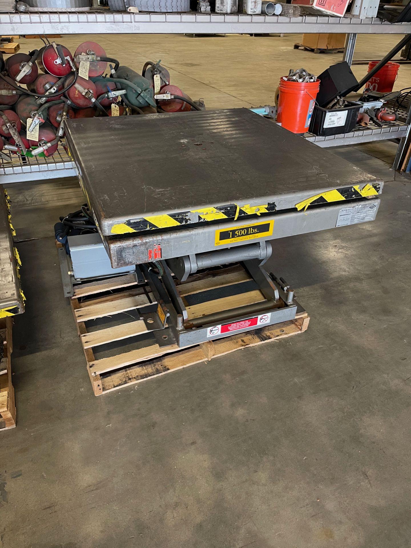 Pallet Lift Table 1500lb.