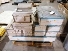 (1) Pallet of Miscellaneous Windows. Located in Ottumwa, IA.