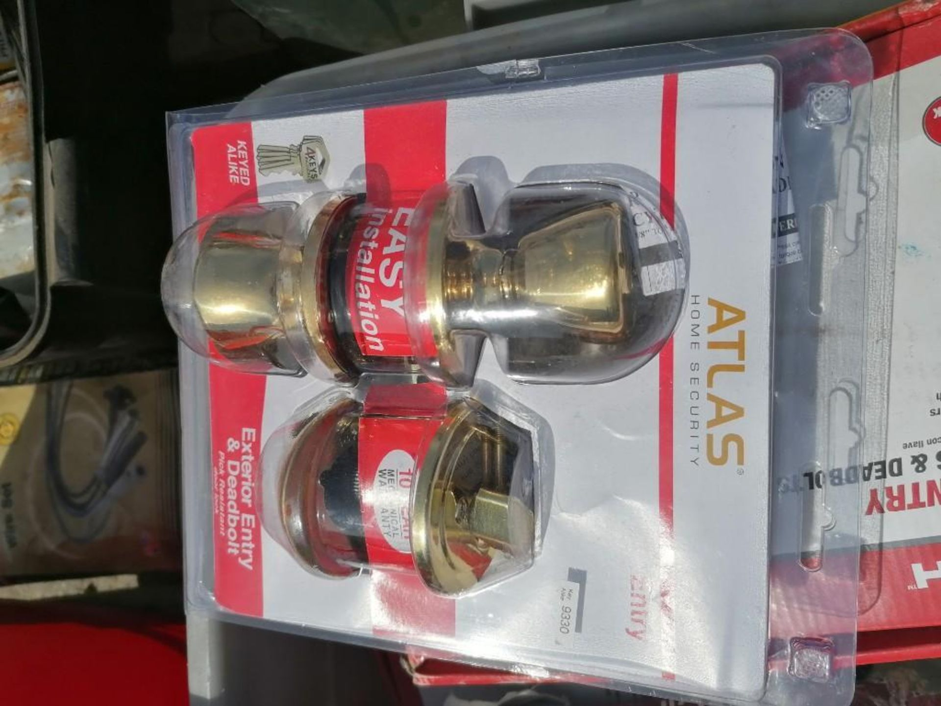 (1) Pallet of KEYED Entry Doorknobs & Deadbolts. Located in Mt. Pleasant, IA. - Image 4 of 12