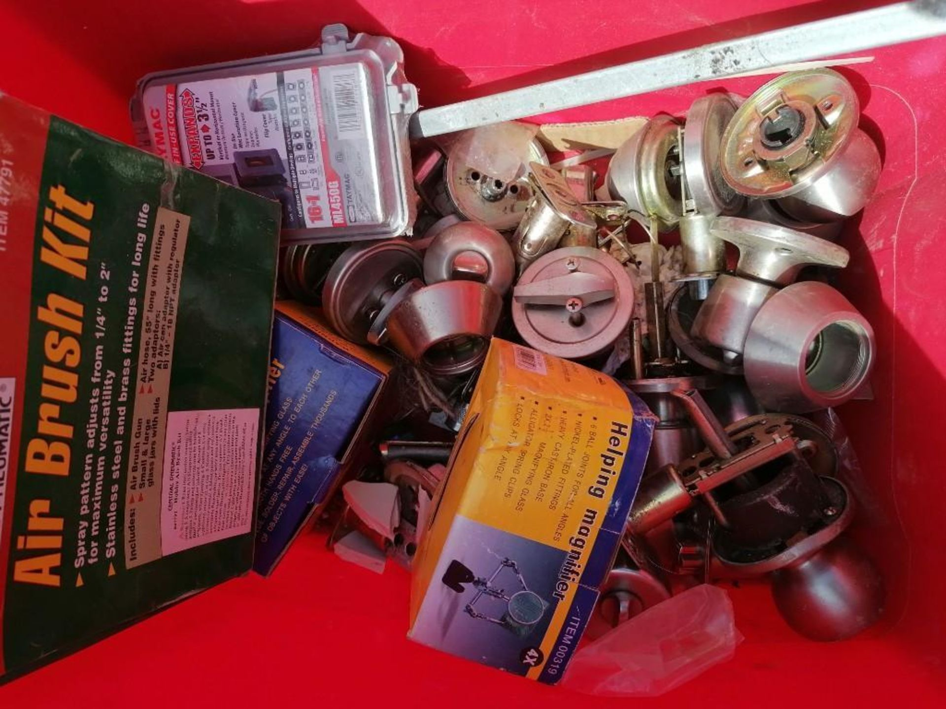 (1) Pallet of KEYED Entry Doorknobs & Deadbolts. Located in Mt. Pleasant, IA. - Image 7 of 12