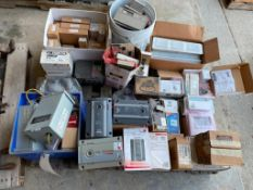 (1) Pallet of Miscellaneous Programmable Thermostats, Humidifier controls, Transmitters, AC Inverter