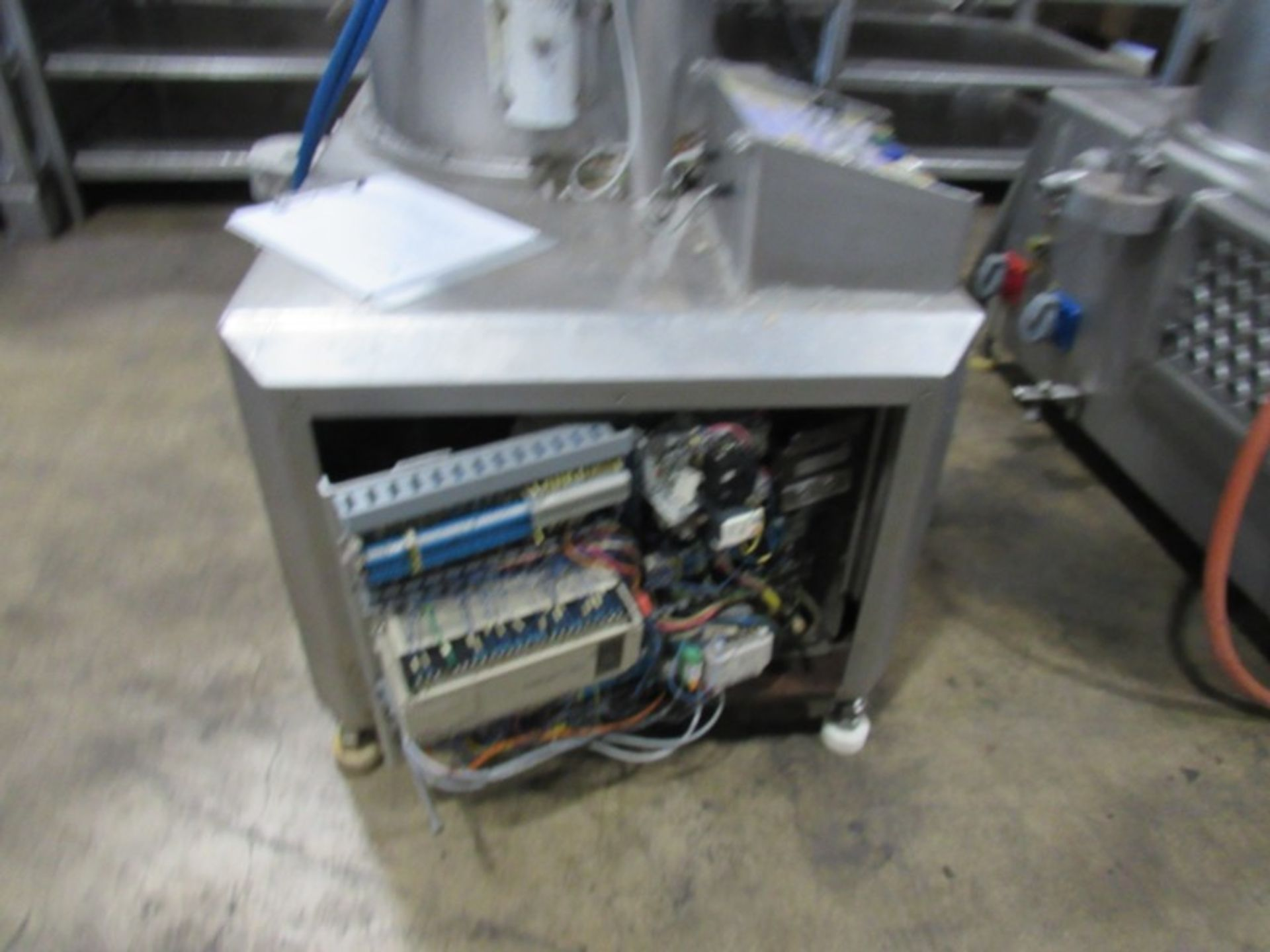 Handtmann Mdl. HVF-90 Vacuum Stuffer Pump, Located in Plano, Illinois Equipment must be removed by - Image 4 of 6