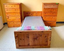 DESCRIPTION CONTENTS OF ROOM (ASSORTED FURNITURE AS SHOWN) LOCATION 534 THIS LOT IS ONE MONEY QUANTI