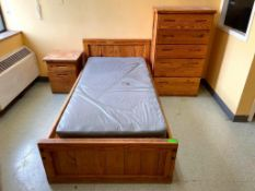 DESCRIPTION CONTENTS OF ROOM (ASSORTED FURNITURE AS SHOWN) LOCATION 543 THIS LOT IS ONE MONEY QUANTI