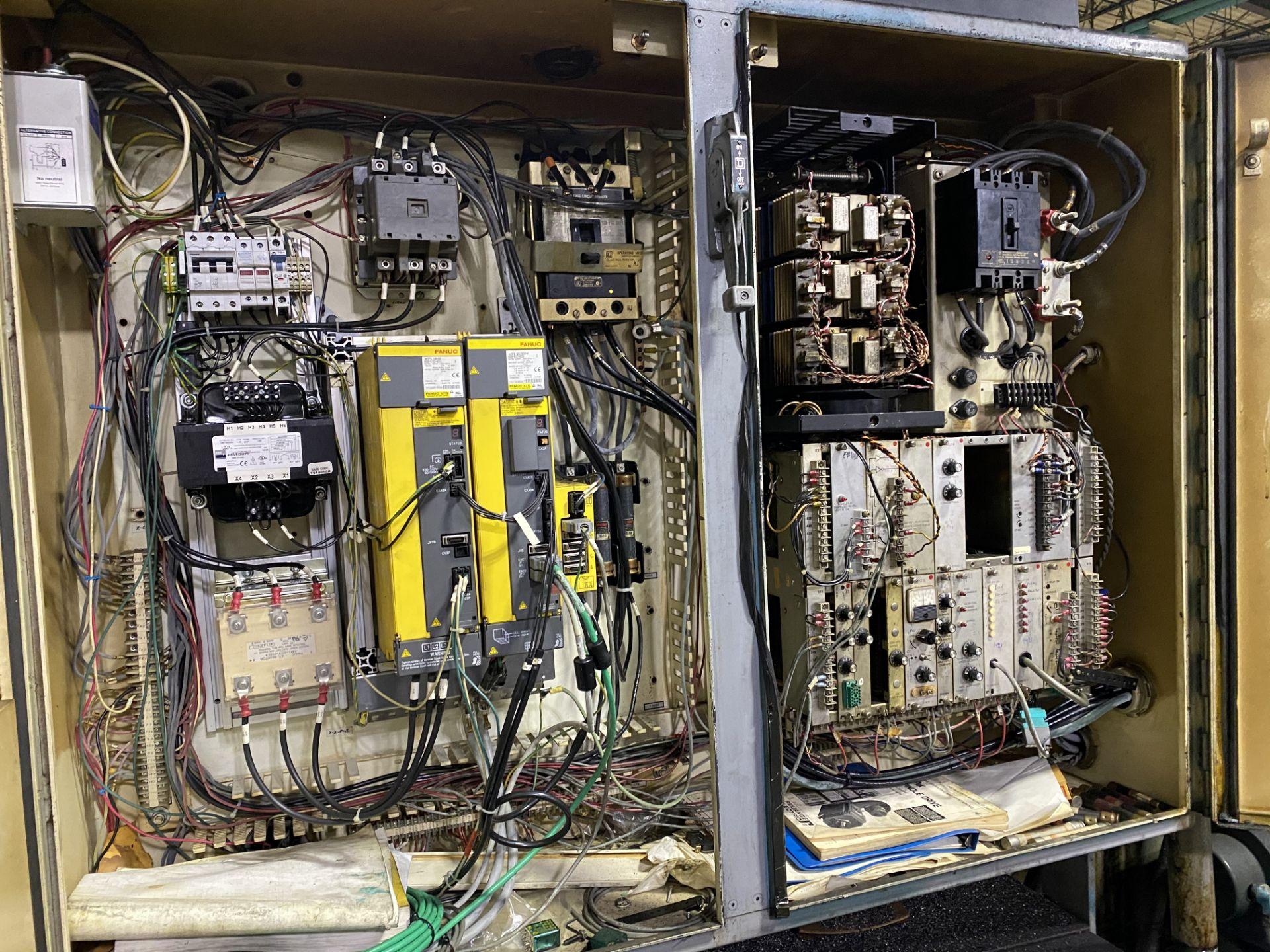 Cincinnati Cinturn 12 CNC Lathe w/ Fanuc Control RETROFIT ***PARTS MACHINE, NO CONTROLLER** - Image 5 of 8
