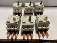 Lot of (6) Siemens Circuit Breakers
