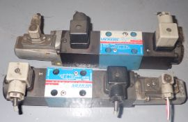 Lot of Vickers Valves
