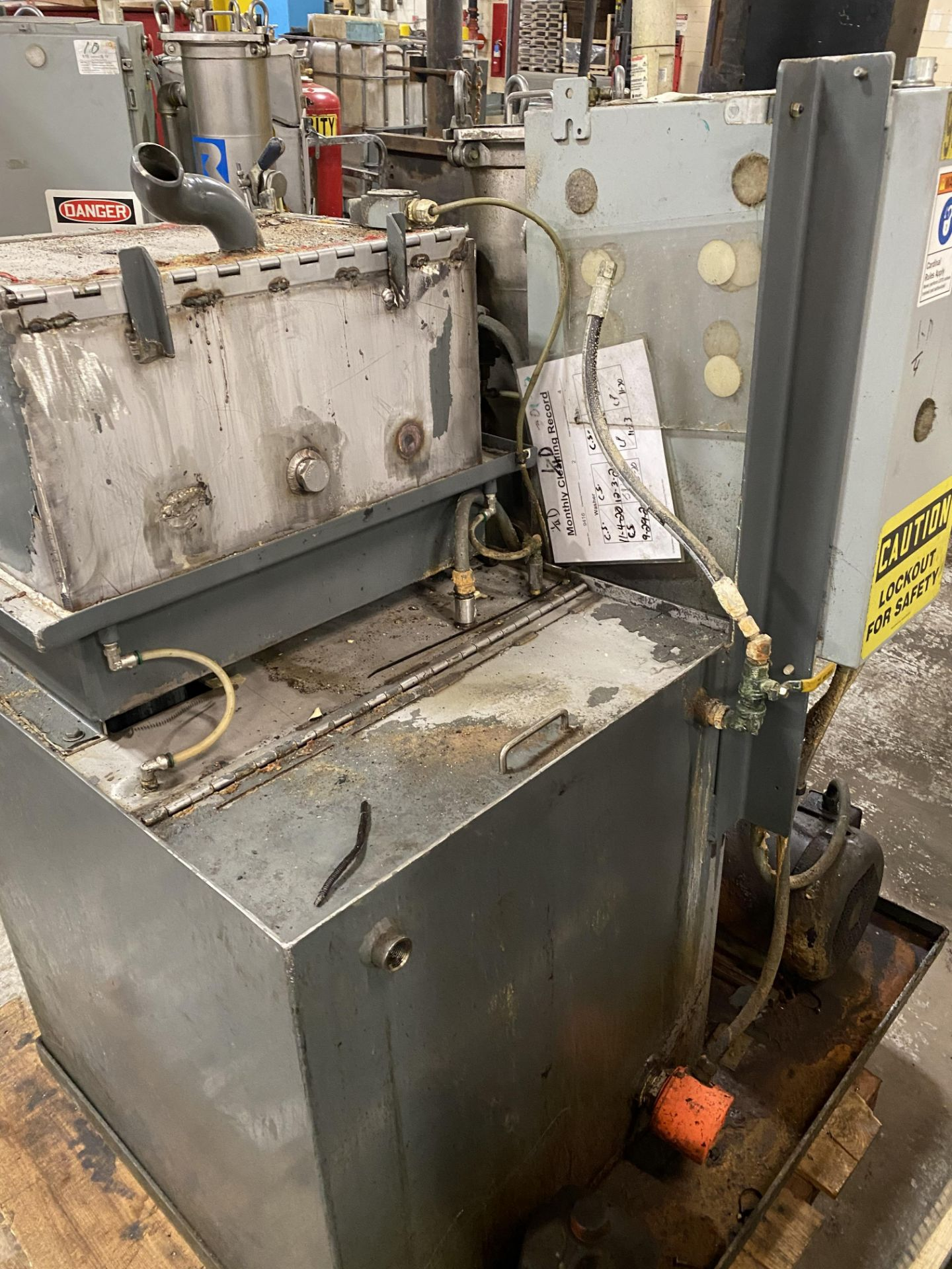 2010 NACCO FILTERED PARTS WASHER - Image 2 of 4