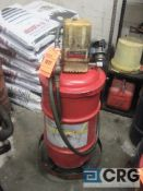 Lot of (2) pneumatic grease pumps (1) Lincoln, and (1) Graco
