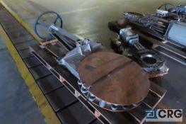 "Fabri-Valve FV-1338 24"" manual gate valve - s/n 88028901400, Location: Finished Warehouse"