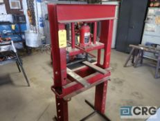 Hydraulic press, 20 ton (Pipe Shop)