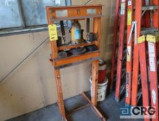 Herbrand HSP 20 20 ton hydraulic press (Maintenance Shop)