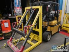Yale 9000 lb capacity LP gas forklift, model GLC100MJNGAE084, mast height 163 in. 7,114 hours,