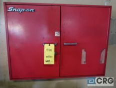 Snap On gear puller with manual hydraulic pump, wall mounted (Maintenance Shop)