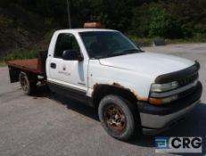 1999 Chevrolet 1500 Silverado flatbed truck, regular cab, 4.3L V6 engine, 4 X 4, AT, gas, 96 in. x