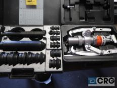 SPX 8 ton hydraulic puller, AN SKF FMFT 33 fitting tooling (Pipe Shop)
