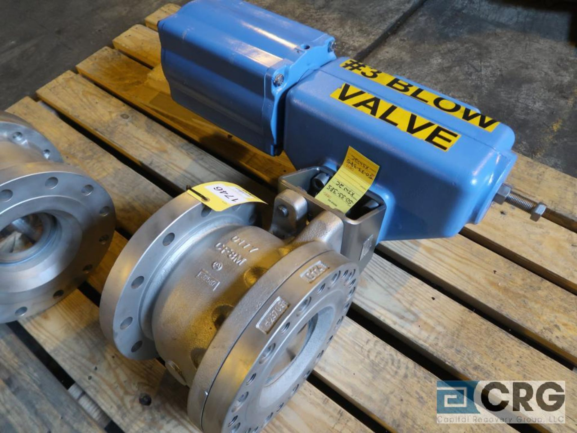 Metso 8 in. stainless ball valve actuator (Next Bay Cage Area)