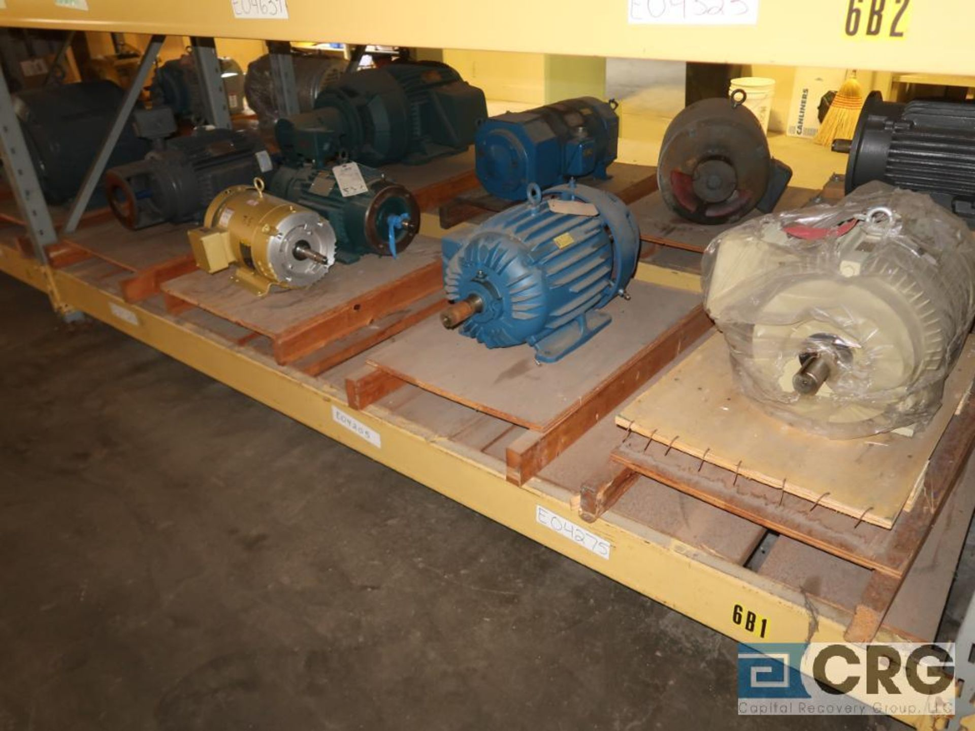 Lot of (29) assorted 15 HP, 10 HP, and 7.5 HP motors on (7) shelves, some with gear drives (Motor - Image 5 of 11