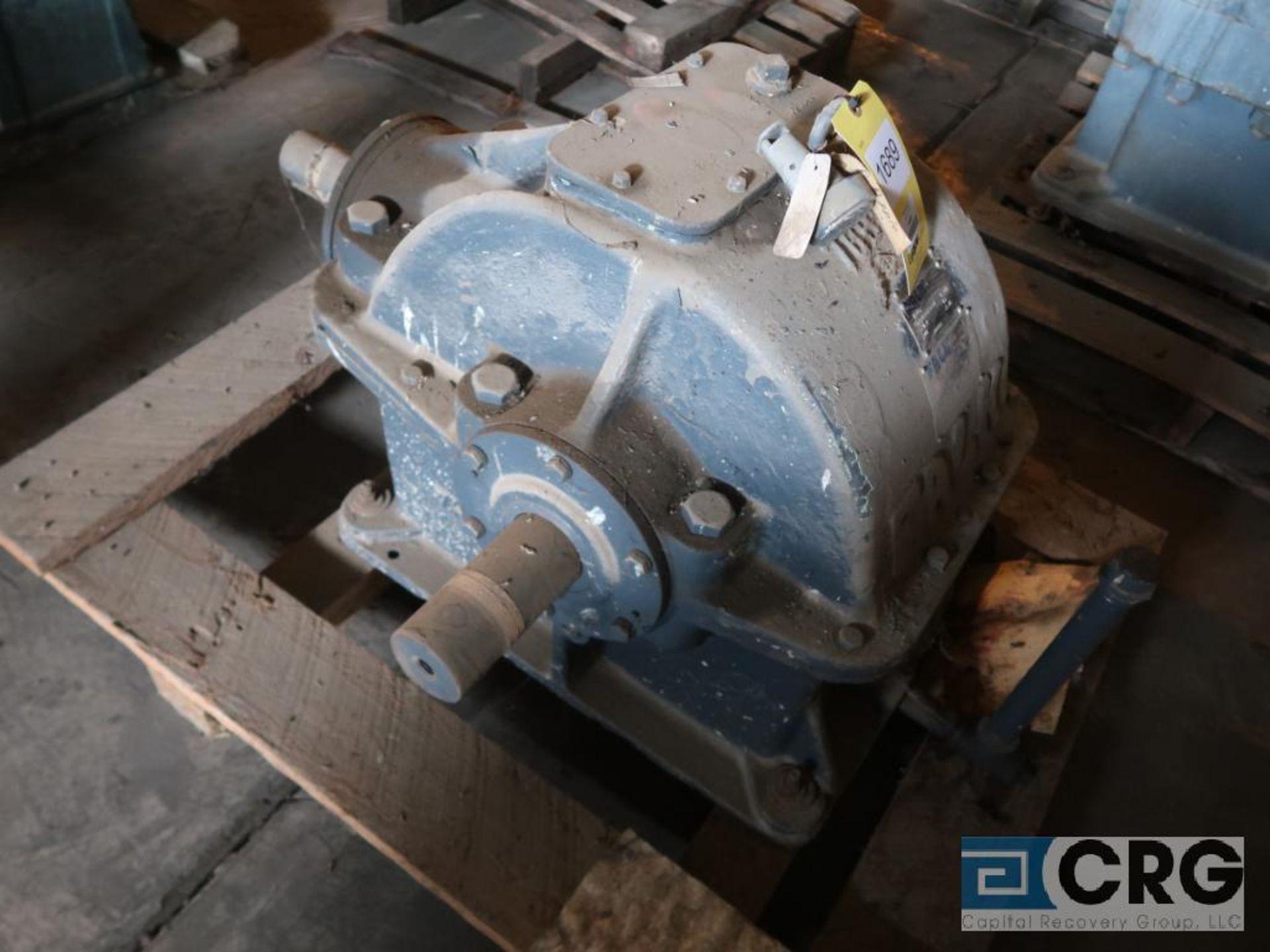 Falk 7GHB gear drive, ratio-1.905, input RPM 527.6, output RPM 277, service rate HP. 49, s/n 6682901